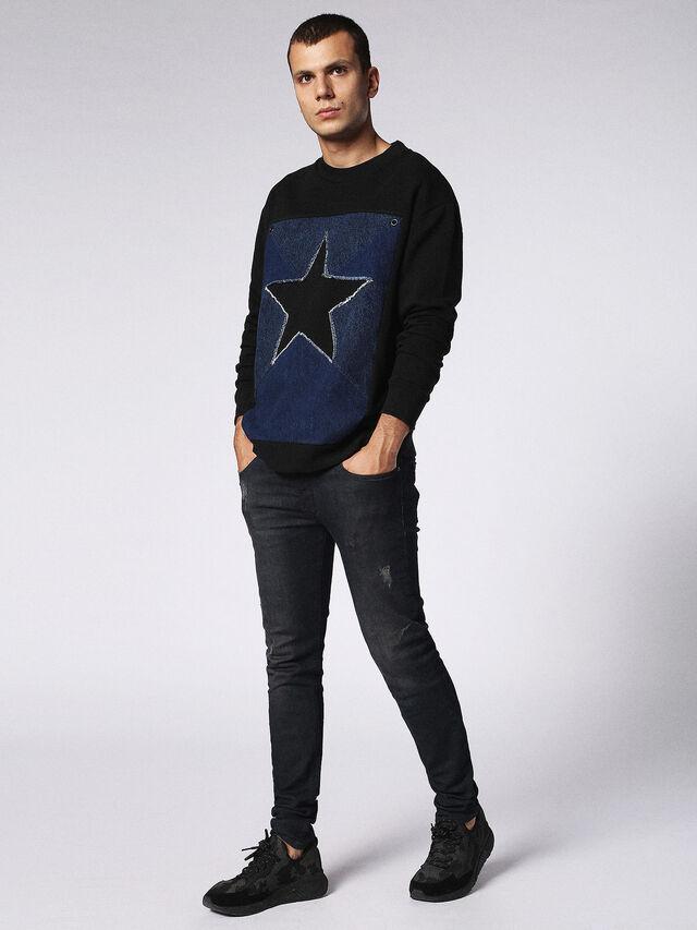S-DEN-STAR, Negro