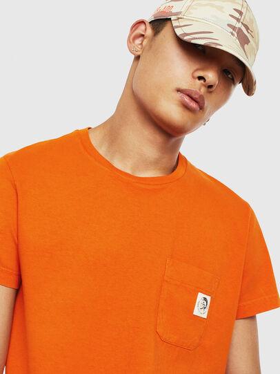 Diesel - T-WORKY-MOHI-S1, Naranja - Camisetas - Image 3