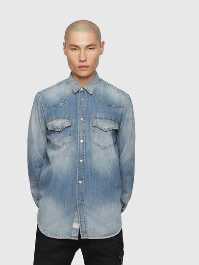 Diesel - D-EAST-P, Blue Jeans - Camisas de Denim - Image 1