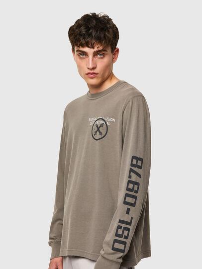 Diesel - T-JUBINDY-LS, Verde Oliva - Camisetas - Image 3