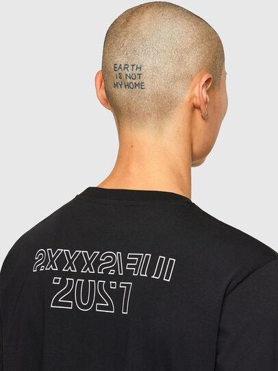 Diesel - CL-T-JUST-LS-O, Negro - Camisetas - Image 5