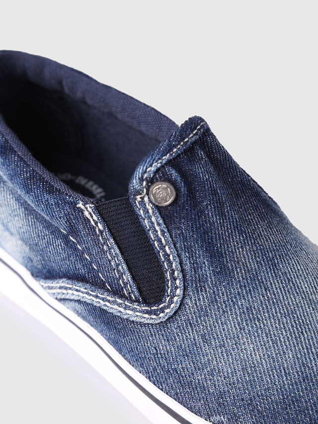 Diesel - SLIP ON 21 DENIM CH, Blue Jeans - Calzado - Image 4