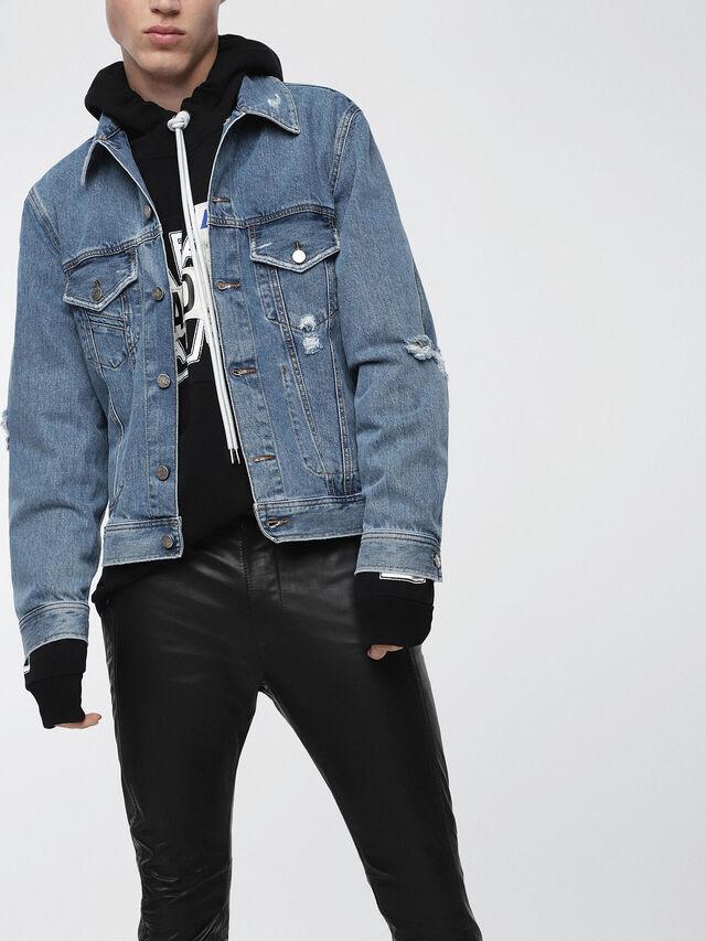 Diesel - D-ROBYN, Blue Jeans - Chaquetas de denim - Image 1