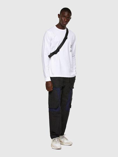 Diesel - D-Eluxerr JoggJeans® 0DDAV, Negro/Gris oscuro - Vaqueros - Image 6