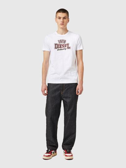 Diesel - T-DIEGOS-K26, Blanco/Rojo - Camisetas - Image 4
