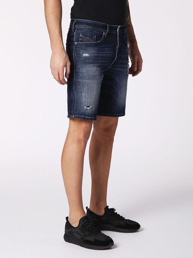 BUSTSHORT, Blue jeans