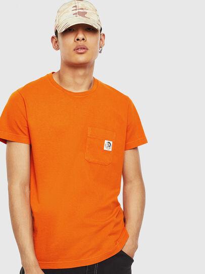 Diesel - T-WORKY-MOHI-S1, Naranja - Camisetas - Image 1