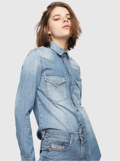 Diesel - DE-RINGY, Blue Jeans - Camisas de Denim - Image 1