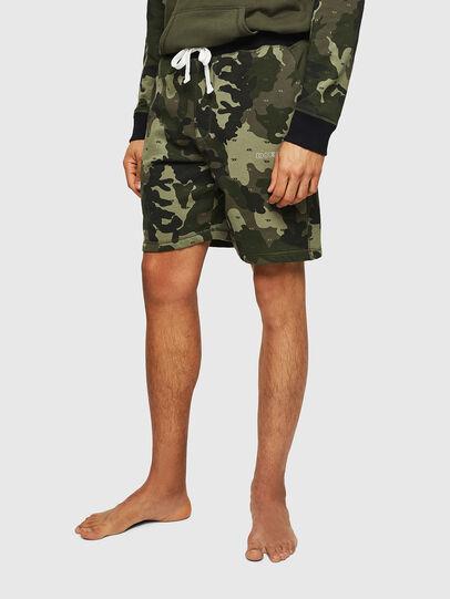 Diesel - UMLB-PAN, Verde Camuflaje - Pantalones - Image 1