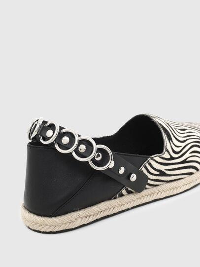 Diesel - S-LIMA W, Negro/Blanco - Zapatos bajos - Image 4
