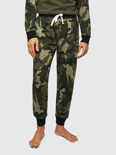 Diesel - UMLB-PETER, Verde Camuflaje - Pantalones - Image 1