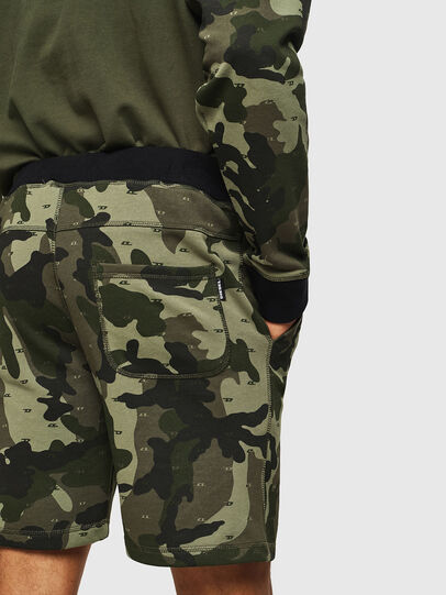 Diesel - UMLB-PAN, Verde Camuflaje - Pantalones - Image 3
