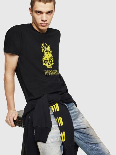Diesel - T-DIEGO-A11, Negro/Amarillo - Camisetas - Image 4
