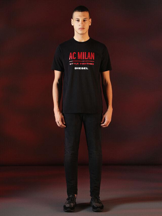 Diesel - DVL-TSHIRT-PRINT-SPECIAL COLLECTION, Negro - Camisetas - Image 5