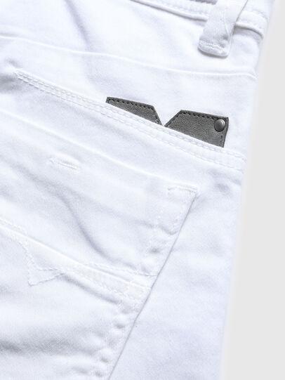 Diesel - DARRON-R-J SH-N JOGGJEANS, Blanco - Shorts - Image 3