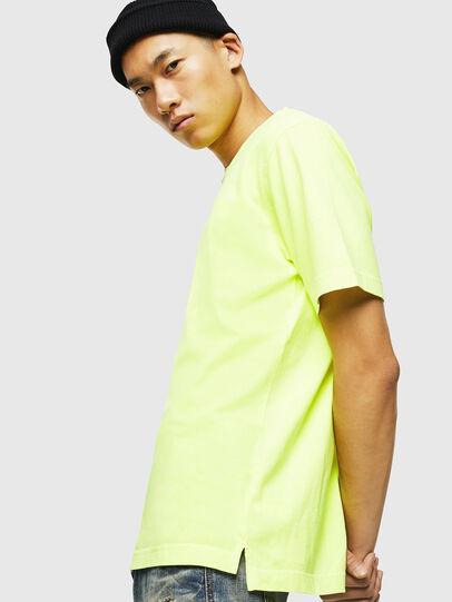 Diesel - T-JUST-SLITS-FLUO, Amarillo Fluo - Camisetas - Image 5