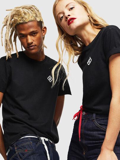 Diesel - CC-T-DIEGO-COLA, Negro - Camisetas - Image 6