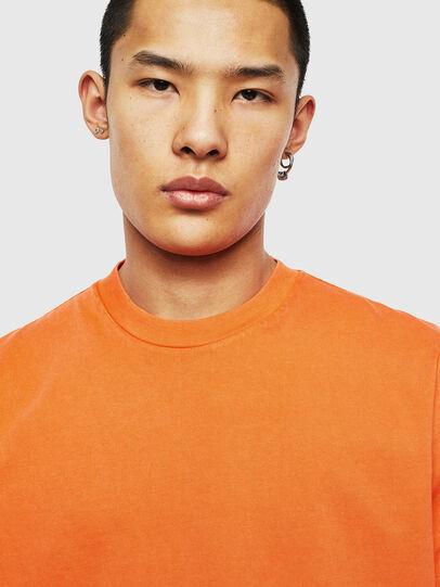 Diesel - T-THURE, Naranja - Camisetas - Image 3