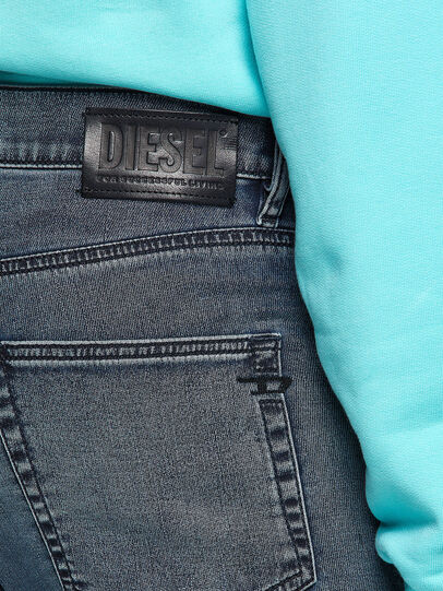Diesel - D-Strukt JoggJeans® 069VH, Azul medio - Vaqueros - Image 4