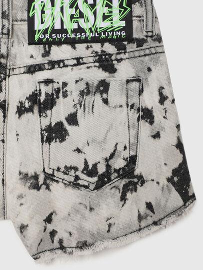 Diesel - PRIFTY, Blanco/Negro - Shorts - Image 4