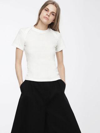 T-SALI-A,  - Camisetas