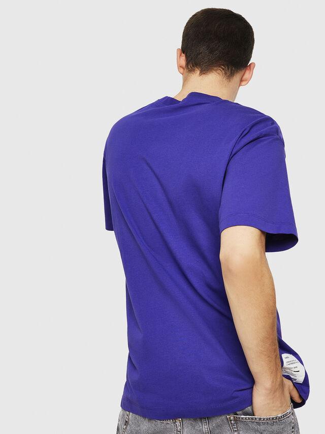 Diesel - T-WALLACE-Y5, Violeta Oscuro - Camisetas - Image 4