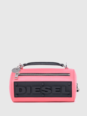 https://es.diesel.com/dw/image/v2/BBLG_PRD/on/demandware.static/-/Sites-diesel-master-catalog/default/dw9909a43c/images/large/X07577_P2809_T4210_O.jpg?sw=306&sh=408