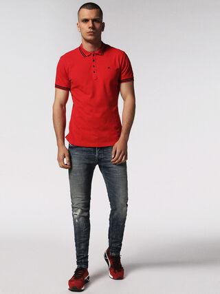 T-RANDY, Rojo