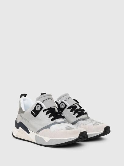 Diesel - S-BRENTHA LC, Gris Claro - Sneakers - Image 2