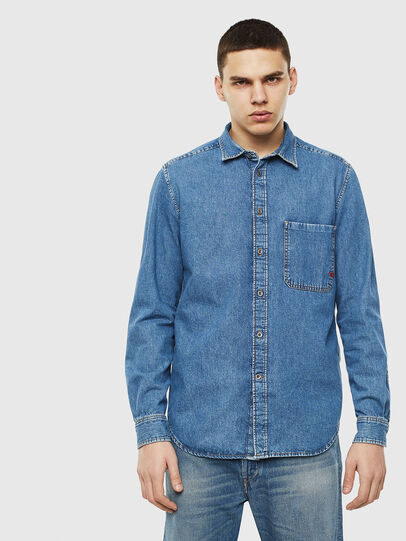 Diesel - D-BER-P, Blue Jeans - Camisas de Denim - Image 1