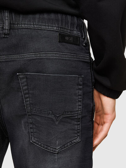 Diesel - D-KROOSHORT JOGGJEANS, Negro - Shorts - Image 4