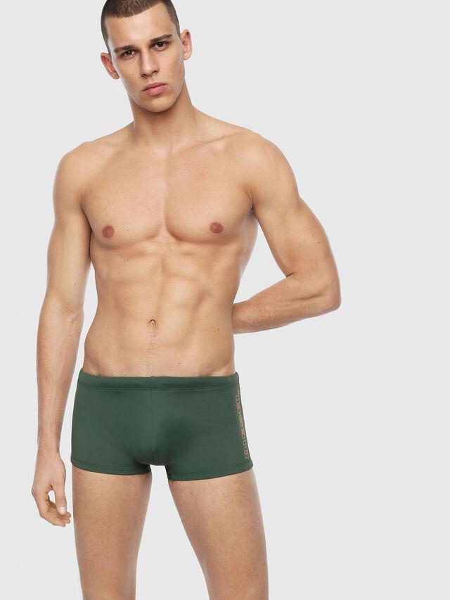 Diesel - BMBX-HERO, Verde Oscuro - Pantalònes cortos playa - Image 1