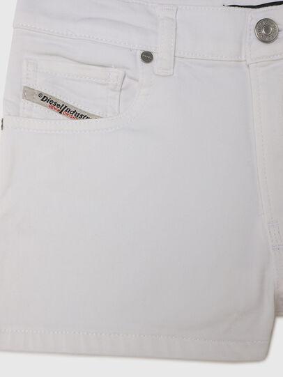 Diesel - PBOYSHORT JOGGJEANS, Blanco - Shorts - Image 3