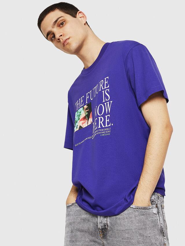 Diesel - T-WALLACE-Y5, Violeta Oscuro - Camisetas - Image 2