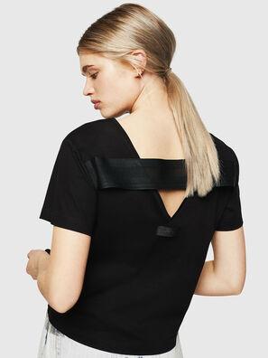 T-RYLY, Negro - Camisetas