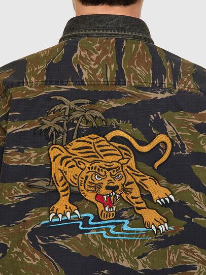 Diesel - S-BUNNELL-CMF, Verde Militar - Camisas - Image 4