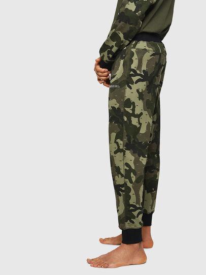 Diesel - UMLB-PETER, Verde Camuflaje - Pantalones - Image 4