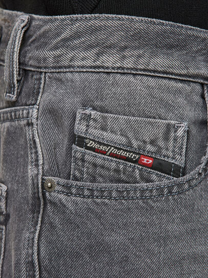 Diesel - D-STRUKT-SHORT, Negro - Shorts - Image 3