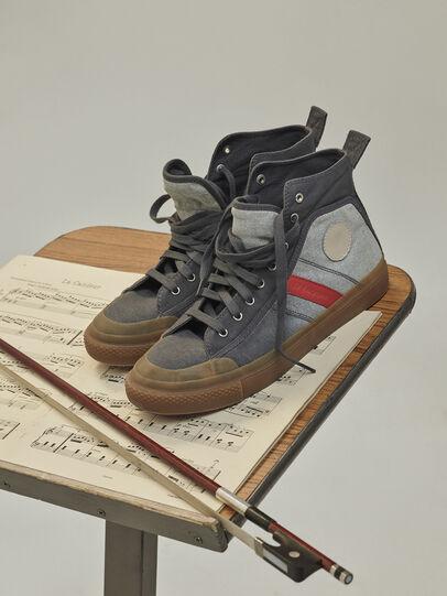 Diesel - GR02 SH32, Gris/Blanco - Sneakers - Image 3