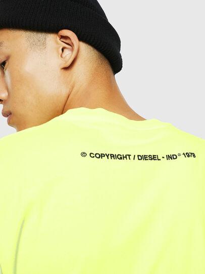 Diesel - T-JUST-SLITS-FLUO, Amarillo Fluo - Camisetas - Image 4