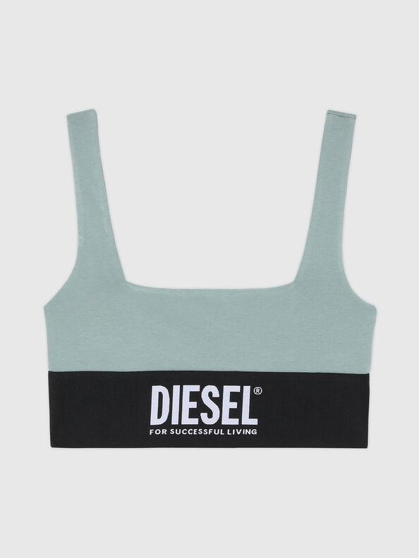 https://es.diesel.com/dw/image/v2/BBLG_PRD/on/demandware.static/-/Sites-diesel-master-catalog/default/dwcdeba2e1/images/large/A01952_0DCAI_5BQ_O.jpg?sw=594&sh=792