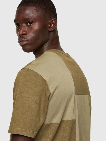 Diesel - T-ATCHWORK, Verde Militar - Camisetas - Image 4