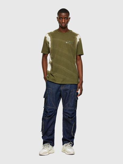 Diesel - T-JUBIND-SLITS-A3, Verde Militar - Camisetas - Image 4