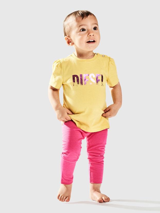 TRALLYB, Amarillo - Camisetas y Tops