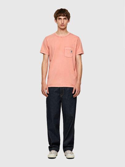 Diesel - T-WORKY-MOHI-B1, Rosa - Camisetas - Image 4