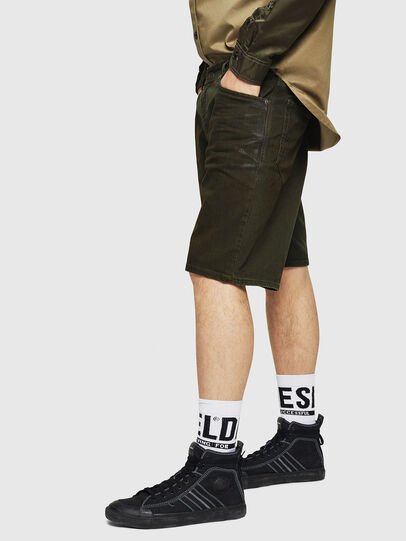 Diesel - D-WILLOH, Verde Oscuro - Shorts - Image 5