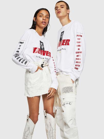 Diesel - LCP-T-JUST-LS-DENVER, Blanco - Camisetas - Image 6