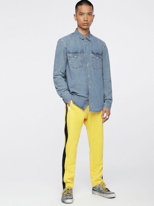 Diesel - D-ROOKE, Blue Jeans - Camisas de Denim - Image 4