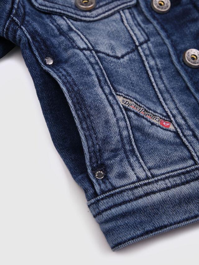 Diesel - JAFFYB JOGGJEANS J, Blue Jeans - Chaquetas - Image 4