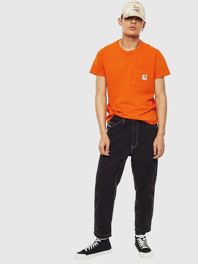 Diesel - T-WORKY-MOHI-S1, Naranja - Camisetas - Image 5